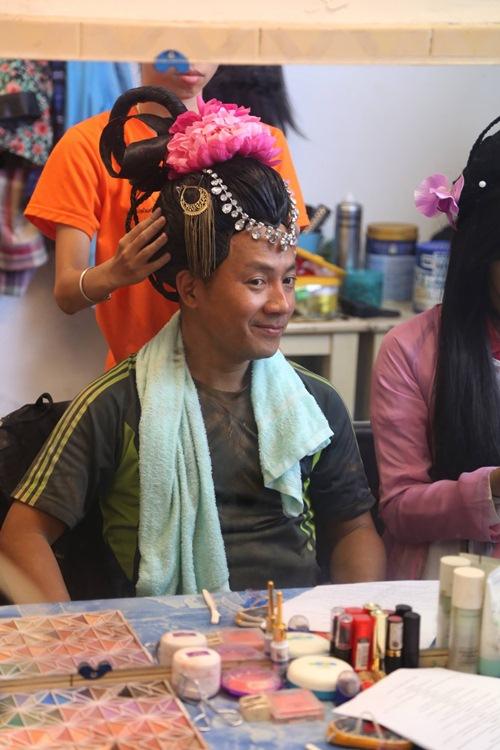 tien dat cao rau gia gai sieu hai, huong giang lam nhan tuong xinh dep - 1