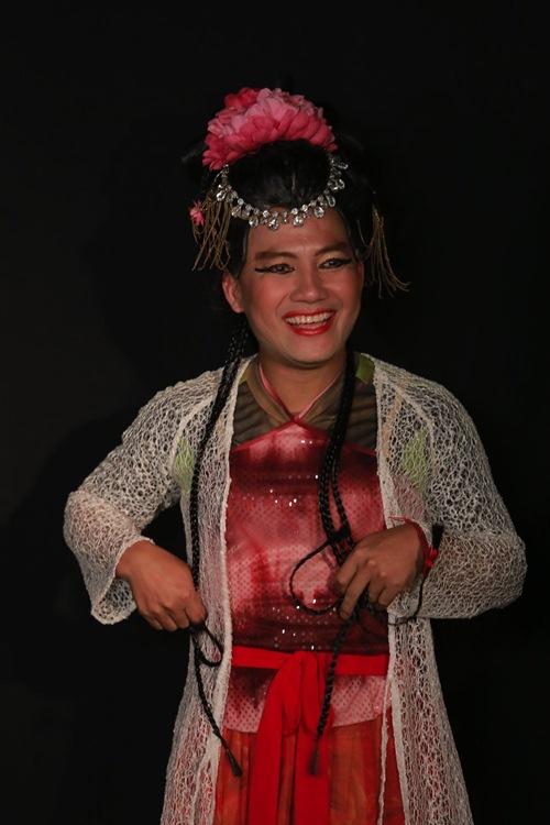tien dat cao rau gia gai sieu hai, huong giang lam nhan tuong xinh dep - 9