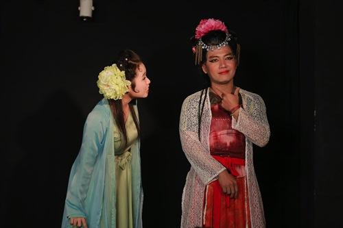 tien dat cao rau gia gai sieu hai, huong giang lam nhan tuong xinh dep - 5