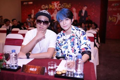 gil le toc xanh noi bat gay chu y ben canh huong giang idol - 11
