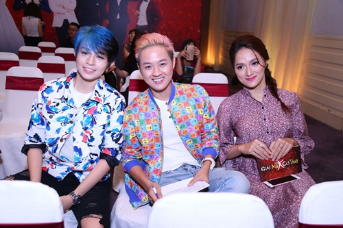 gil le toc xanh noi bat gay chu y ben canh huong giang idol - 9