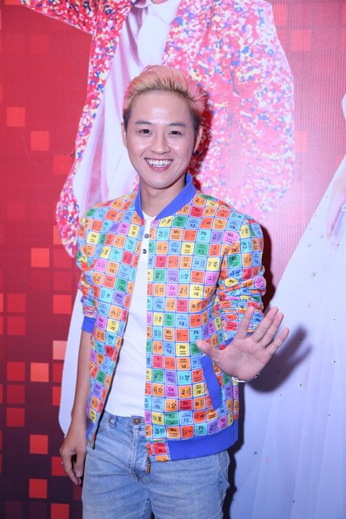 gil le toc xanh noi bat gay chu y ben canh huong giang idol - 6