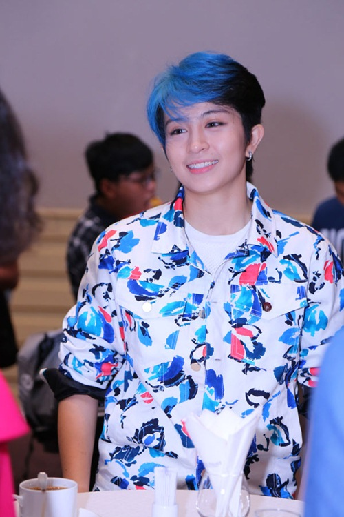 gil le toc xanh noi bat gay chu y ben canh huong giang idol - 3