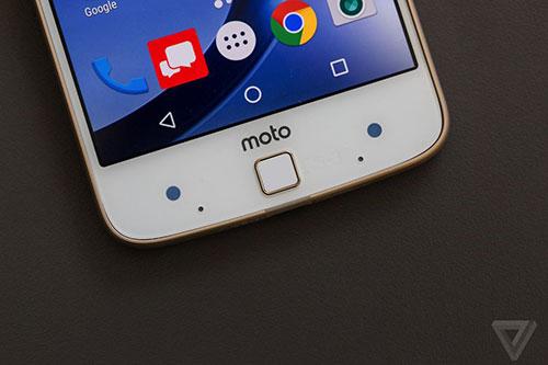 bo doi smartphone moto z sieu mong, sieu ben, khong jack tai nghe chinh thuc ra mat - 9