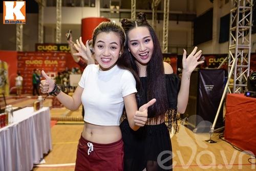 "huong giang idol vang mat, tien dat choi troi voi ""cay"" xanh let di nhan giai - 5"