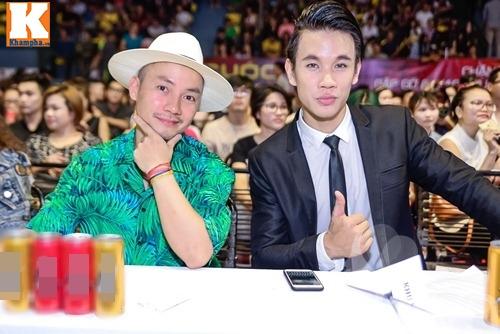 "huong giang idol vang mat, tien dat choi troi voi ""cay"" xanh let di nhan giai - 2"