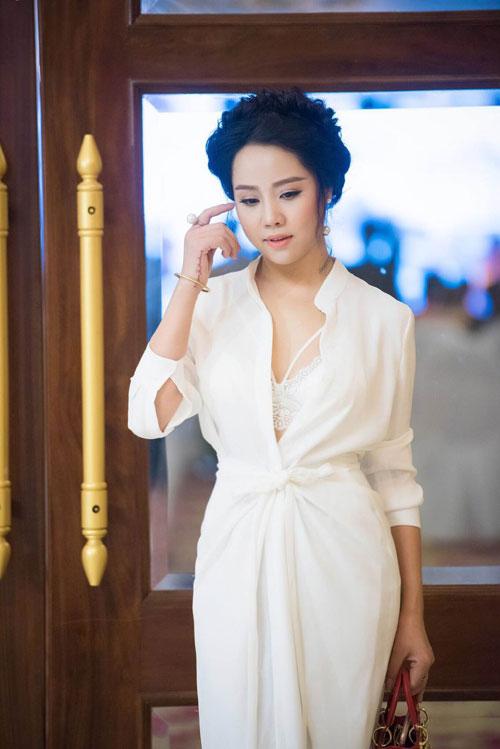 nu hoang sac dep 2014 duyen dang lam giam khao - 10
