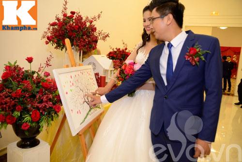 le thi phuong hanh phuc ngot ngao ben chong trong tiec cuoi - 11