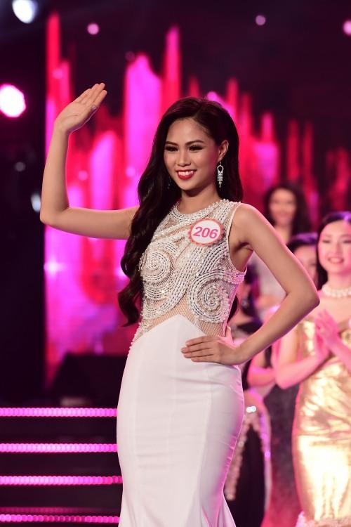 nu sinh lop 12 bat ngo lot top 18 dem chung khao hhvn phia nam - 14
