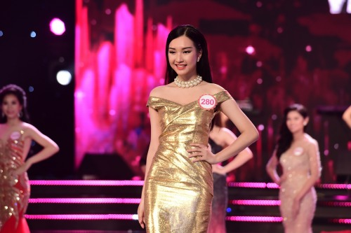 nu sinh lop 12 bat ngo lot top 18 dem chung khao hhvn phia nam - 3