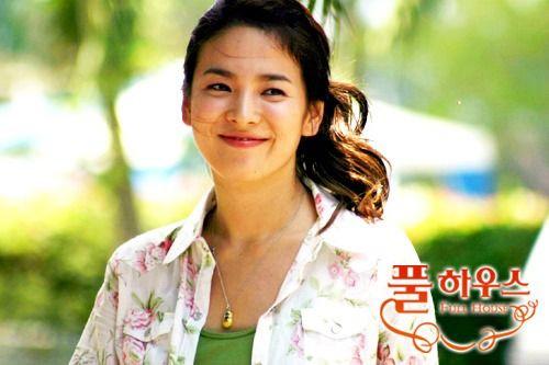 "song hye kyo tre trung nhu thoi ""ngoi nha hanh phuc"" - 6"