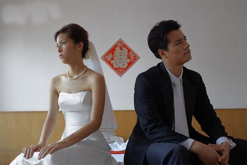 giai ma kieng ki trong cuoi hoi (4): nguoi trai giuong cuoi cung phai chon tuoi? - 1