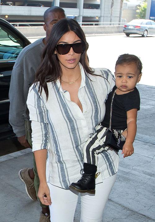 Thời trang sành điệu của con gái Kim Kardashian-15