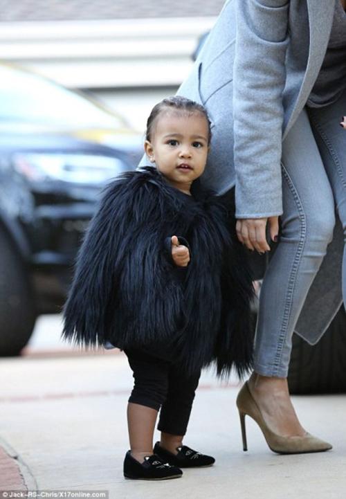 Thời trang sành điệu của con gái Kim Kardashian-5