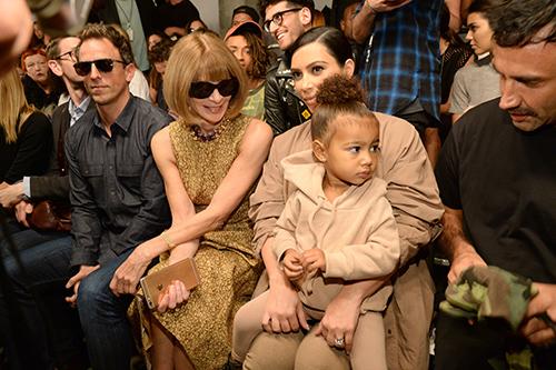 Thời trang sành điệu của con gái Kim Kardashian-18