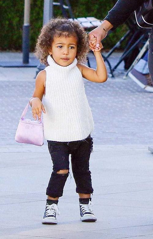 Thời trang sành điệu của con gái Kim Kardashian-11
