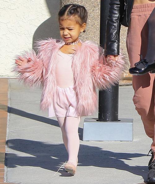 Thời trang sành điệu của con gái Kim Kardashian-2