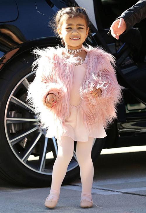 Thời trang sành điệu của con gái Kim Kardashian-1