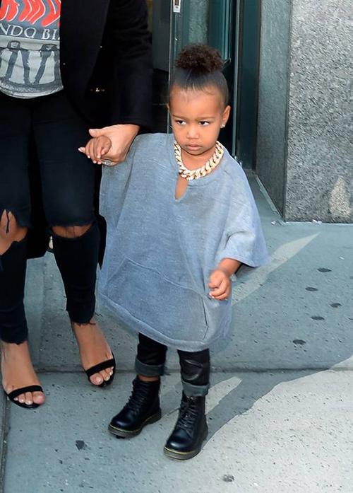 Thời trang sành điệu của con gái Kim Kardashian-14