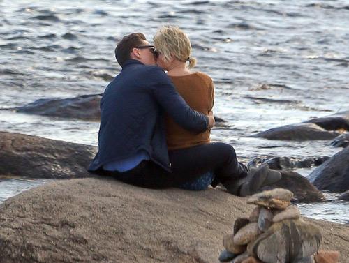 Chết cười ảnh chế khi Taylor Swift - Tom Hiddleston hẹn hò-1