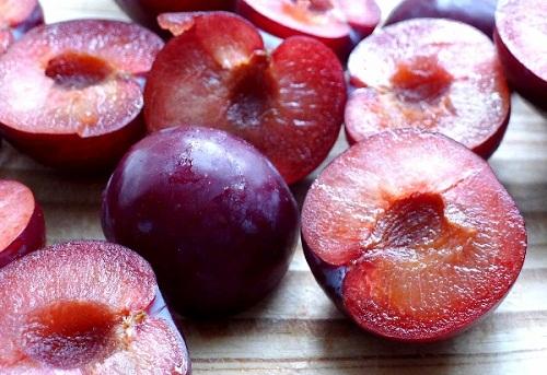 Tác dụng phụ khi ăn nhiều hoa quả ngày hè - 1