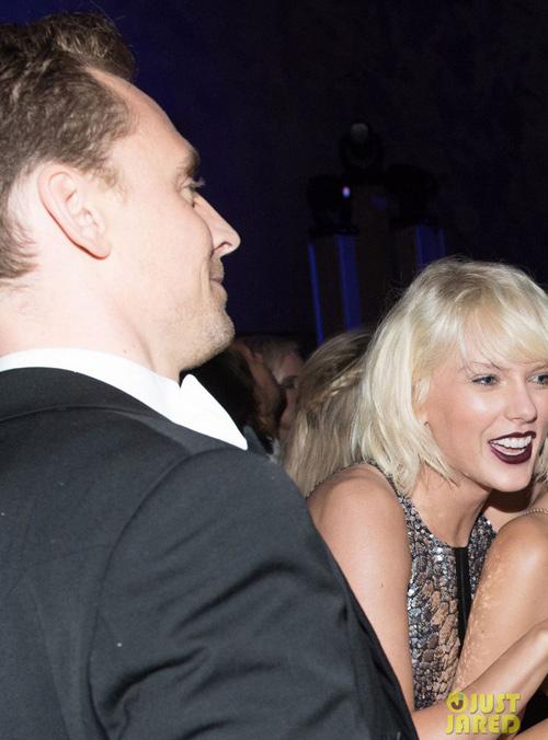 taylor swift lo anh hon tom hiddleston sau 2 tuan chia tay ban trai - 9