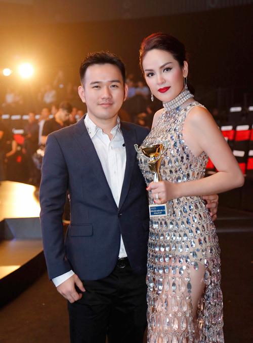 Á hậu Phương Lê mặc váy xuyên thấu trở thành nữ hoàng đêm tiệc-6