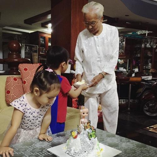 Con gái Lý Hải - Minh Hà cười khoái chí đón tuổi lên 3-5