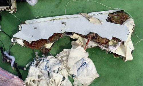 Đã tìm thấy hộp đen máy bay Ai Cập chở 66 người rơi-2