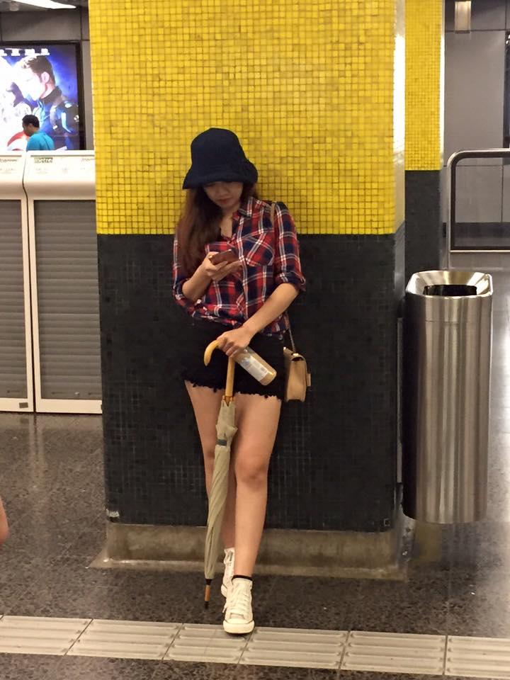 Nữ biên tập viên thể thao nổi nhất Việt Nam mặc gì khi lên sóng?-18