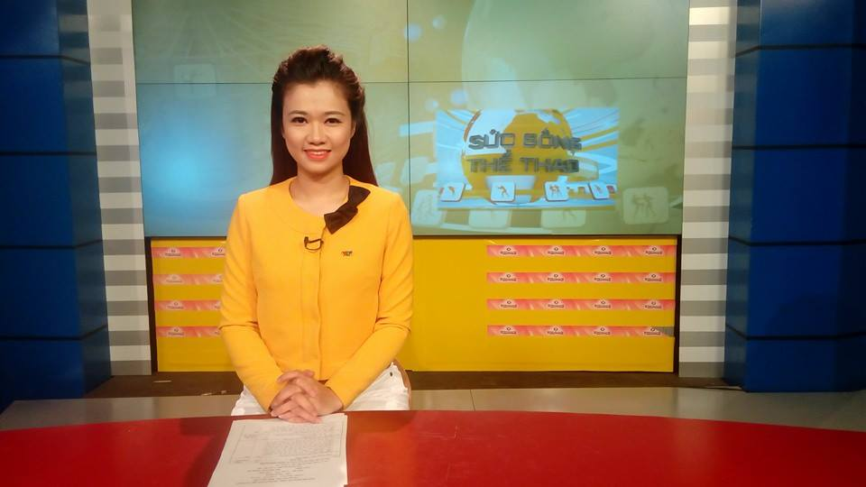 Nữ biên tập viên thể thao nổi nhất Việt Nam mặc gì khi lên sóng?-8