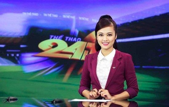 Nữ biên tập viên thể thao nổi nhất Việt Nam mặc gì khi lên sóng?-3