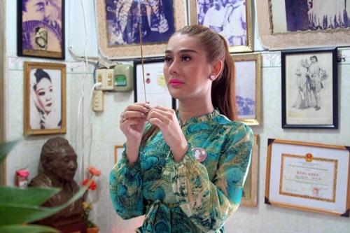 Phi Nhung, Phan Hiển - Khánh Thi giản dị đến dự đám giỗ NSND Phùng Há-13