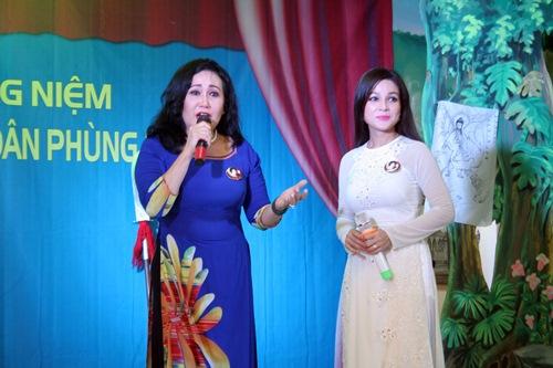 Phi Nhung, Phan Hiển - Khánh Thi giản dị đến dự đám giỗ NSND Phùng Há-15