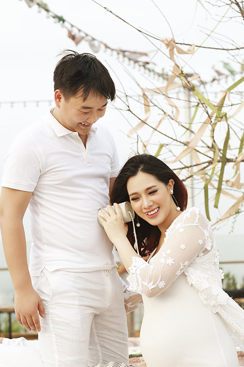 Á khôi Hà Min bầu 9 tháng được chồng chiều hết mực-9