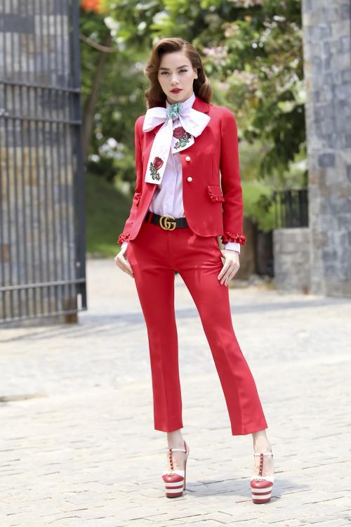 Choáng khi bóc giá bộ đồ của Hà Hồ trong tập 1 The Face-2