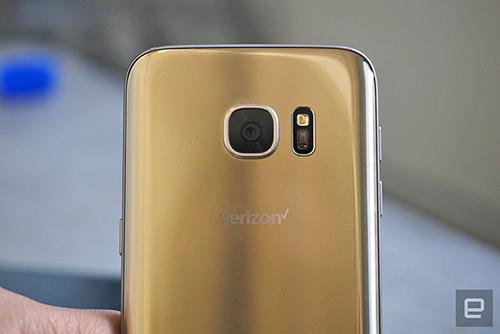 """smartphone samsung se co tinh nang thong bao tuyet hay """"smart glow"""" - 1"""