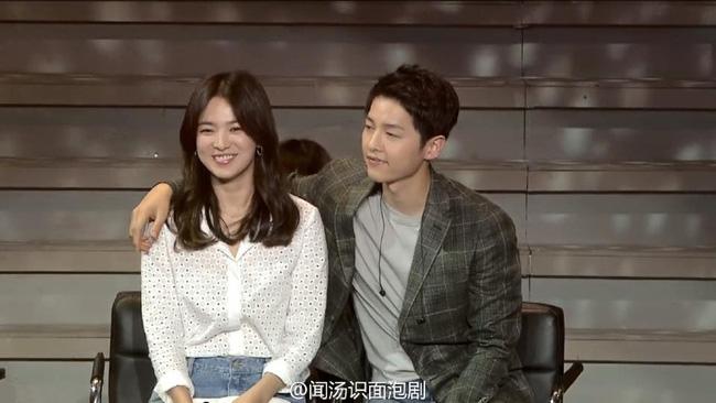 "song joong ki va song hye kyo ""tinh trong nhu da"" tai fanmeeting - 1"