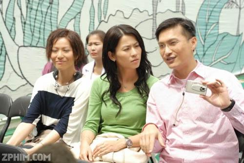 4 ông bố khéo chăm con chẳng thua các mẹ trong phim TVB-9