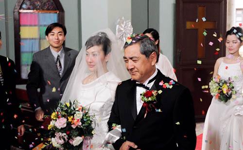 4 ông bố khéo chăm con chẳng thua các mẹ trong phim TVB-1