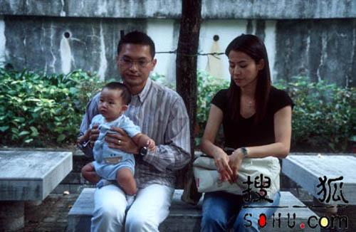 4 ông bố khéo chăm con chẳng thua các mẹ trong phim TVB-8