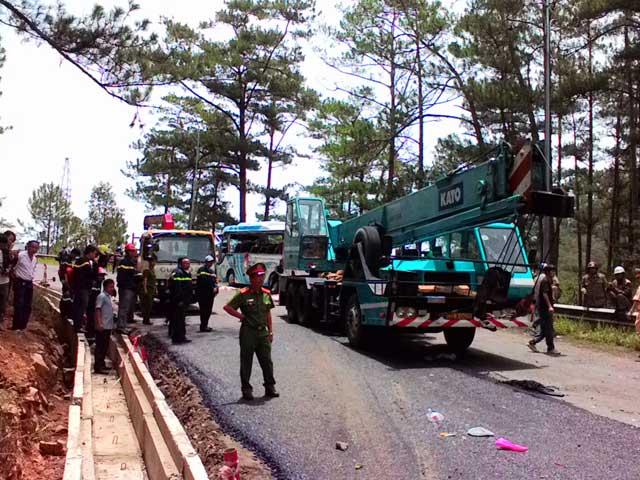 Tai nạn thảm khốc trên đèo Prenn, ít nhất 7 người chết-4