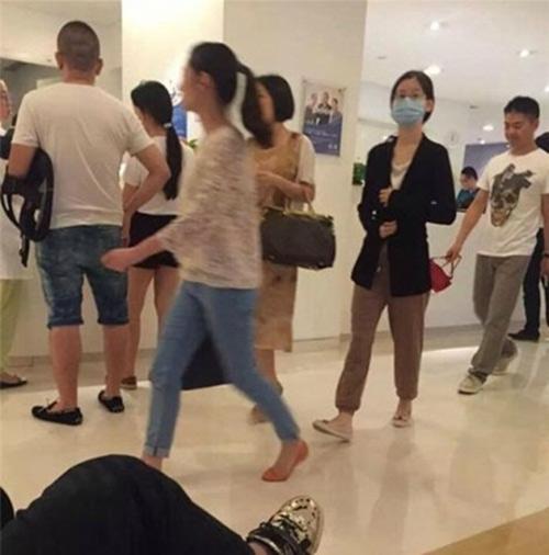 """co be tra sua"" xuong sac kho tin sau sinh con cho dai gia u40 - 4"