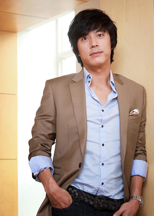 "han jae suk - soai ca ""giay thuy tinh"" tro lai - 2"