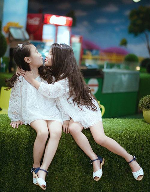 "don tim voi 2 co be hotgirl ha noi chan dai ""khong doi tuoi"" - 17"