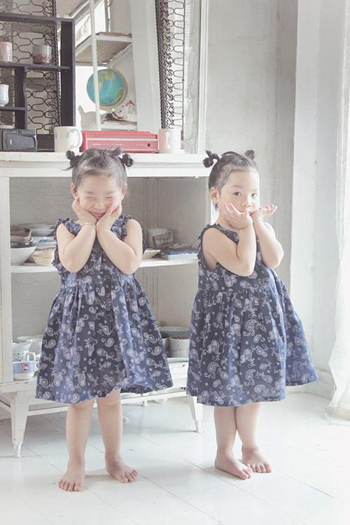 ngam hai co nang song sinh lun chun mac vay he tuyet xinh - 16