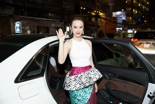angela phuong trinh kin dao doi lap toc tien sexy tai su kien - 2