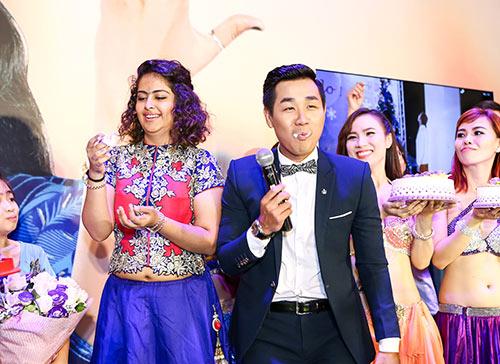 "dien vien ""co dau 8 tuoi"" dut banh kem cho nguyen khang - 5"