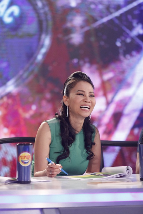 vietnam idol tap 5: nu giam doc tre chinh phuc ca 3 giam khao - 3
