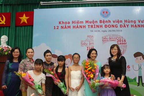 hanh phuc cua nhung cap hiem muon co con nho thu tinh ong nghiem - 1